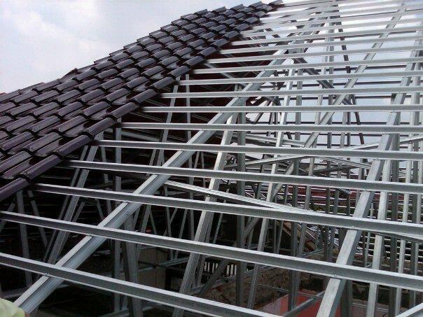 Proyek rangka atap baja ringan di graha asri cikarang timur