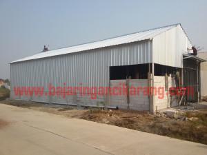 Konstruksi baja ringan untuk gudang